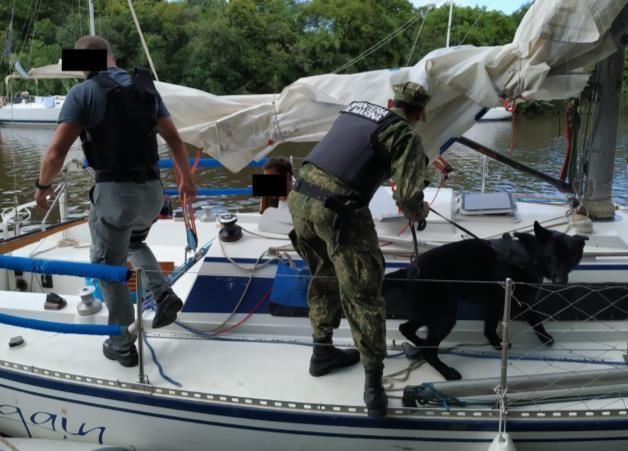 eb3da8c52 Prefectura uruguaya detiene embarcación con elementos para la ...